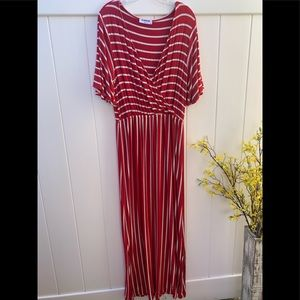 Purson size Xlarge red white striped maxi